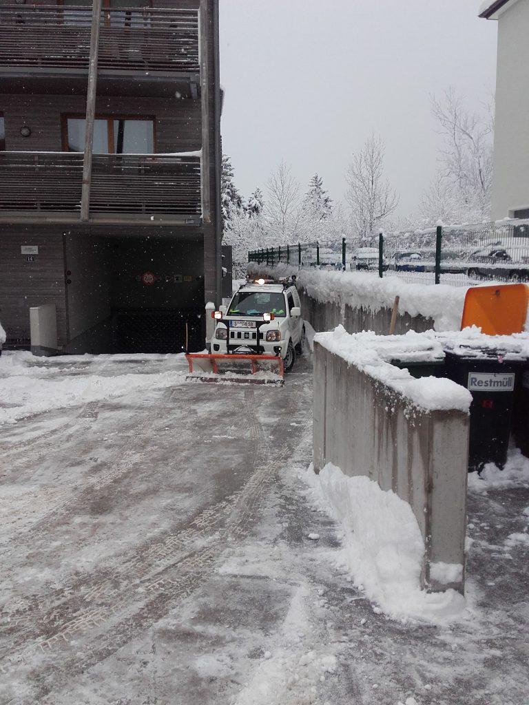 Schneeräumarbeiten (2)