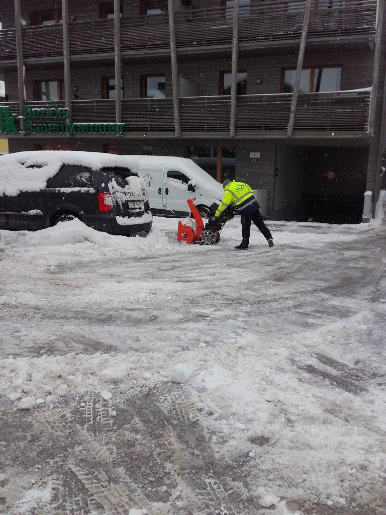 Schneeräumarbeiten (5)